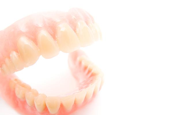 ひで歯科クリニックで扱っている入れ歯の種類